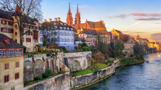 Schweiz mit Fluss